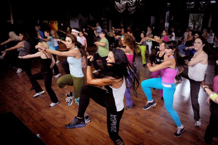 Zumba-noumea-cours-sport-classe-salle-sport-fitness-class